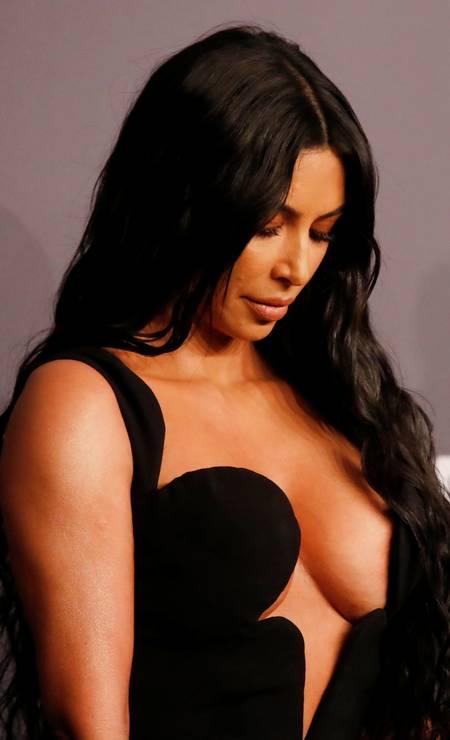 Kim Kardashian: foco no decote Foto: SHANNON STAPLETON / REUTERS