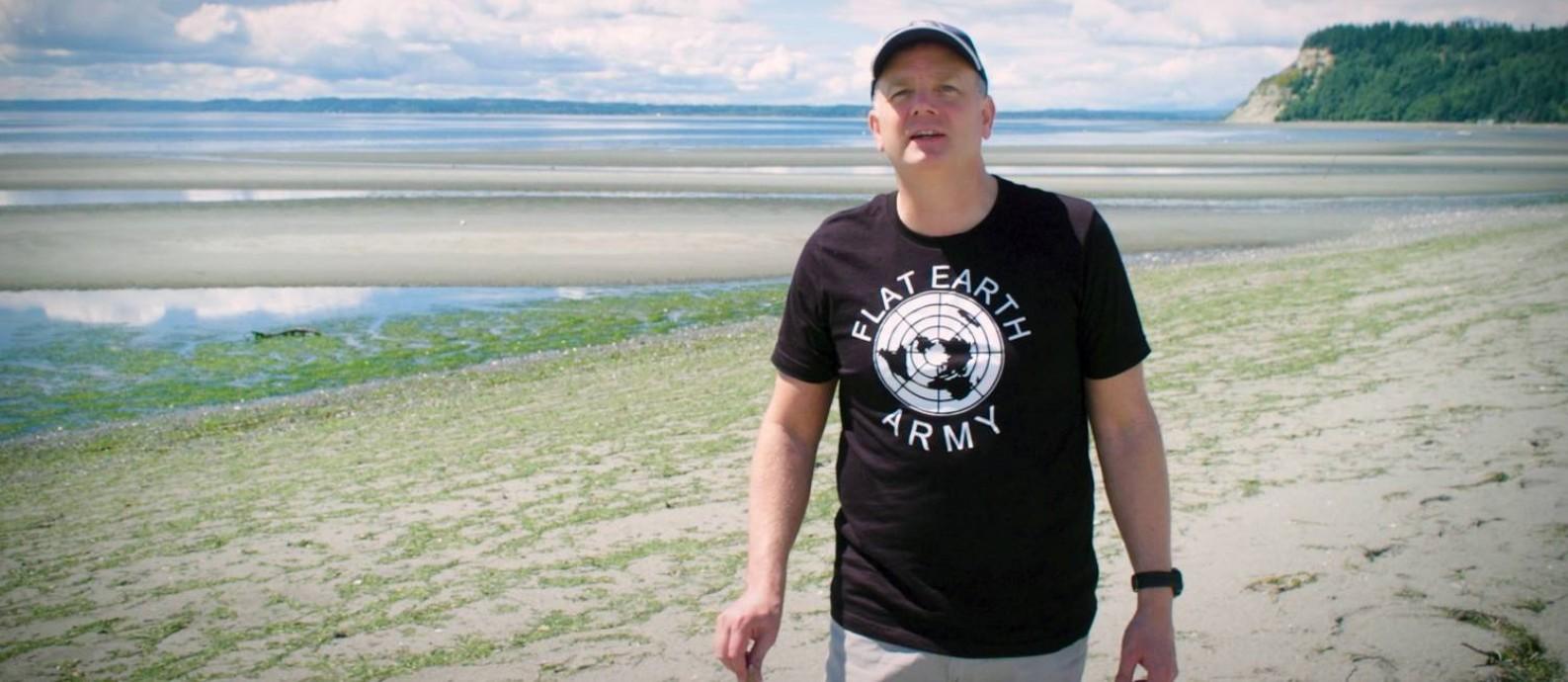 O terraplanista Mark Sargent no documentário 'A Terra é plana' Foto: Divulgação