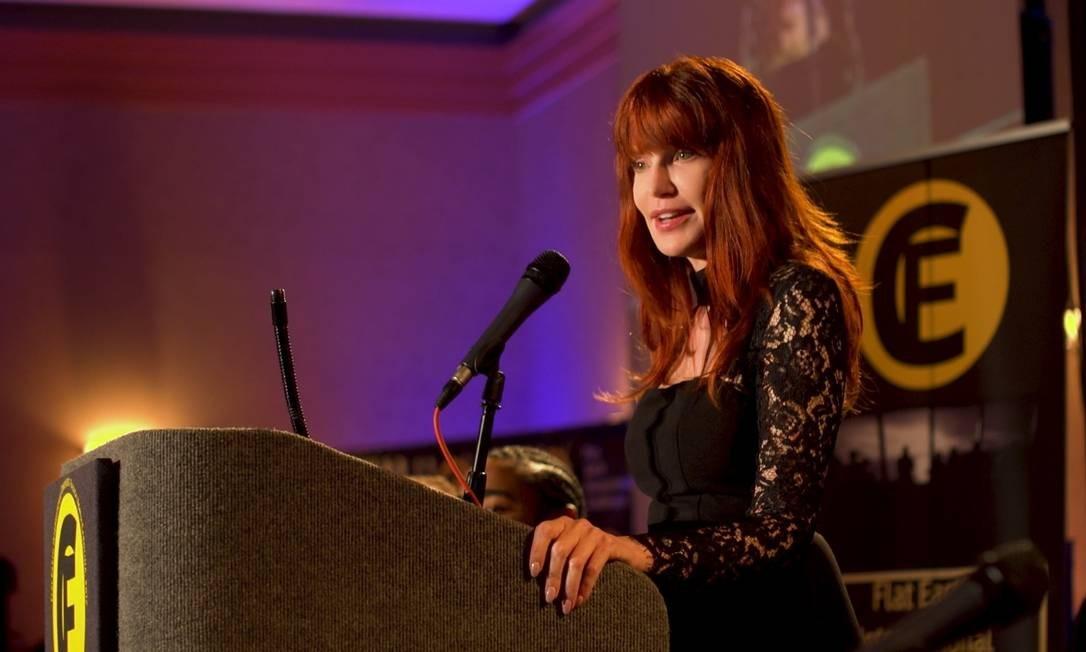 A radialista Patricia Steere fala durante convenção dos terraplanistas no documentário 'A Terra é plana' Foto: Divulgação