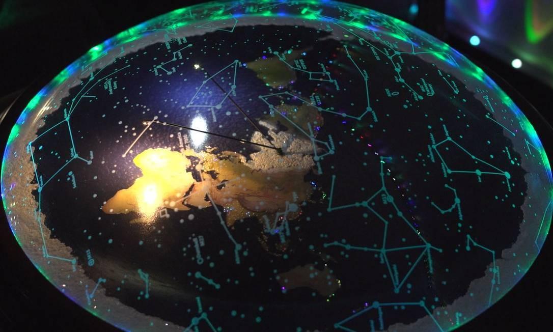 Um modelo de como alguns terraplanistas acreditam ser o nosso planeta Foto: Divulgação / Divulgação