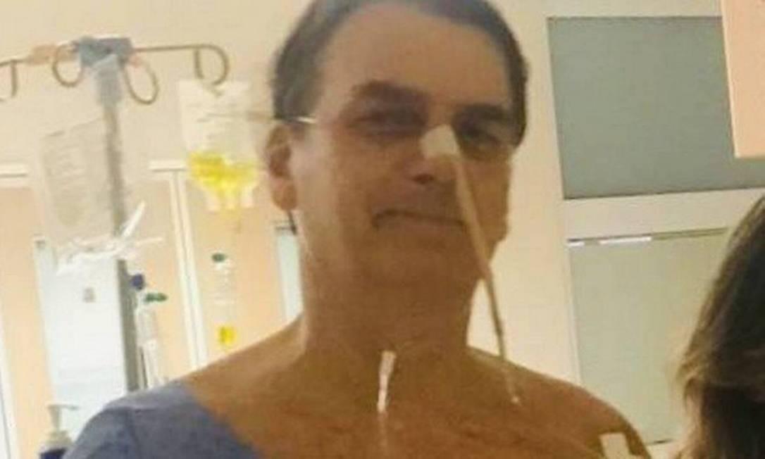 Bolsonaro está internado desde o dia 27 e se recupera da cirurgia para a reversão da colostomia Foto: Reprodução