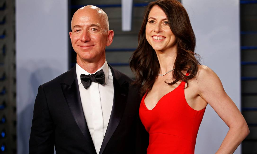 Bezos e MacKenzie: divórcio cercado de revelações e chantagem. Foto: Danny Moloshok / Reuters