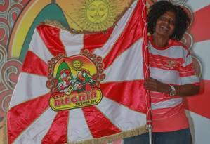 """Velha Guarda. Sônia de Oliveira, presidente da ala, lamenta a situação: """"Sem o carnaval, não sou nada"""", diz Foto: Marcelo Regua / Agência O Globo"""