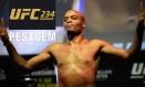 Anderson Silva durante a pesagem para o UFC 234 Foto: Reprodução