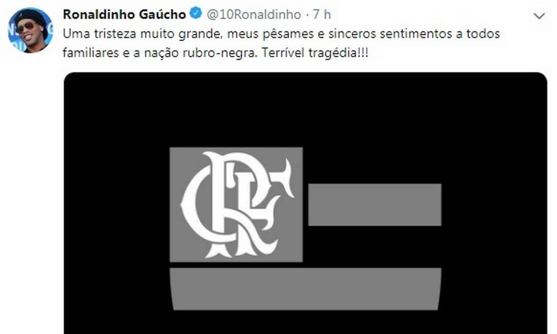 Ronaldinho Gaúcho, que atuou no Flamenfo, também se solidariza com a tragédia Flamengo Foto: Reprodução de Twitter / Reprodução de Twitter