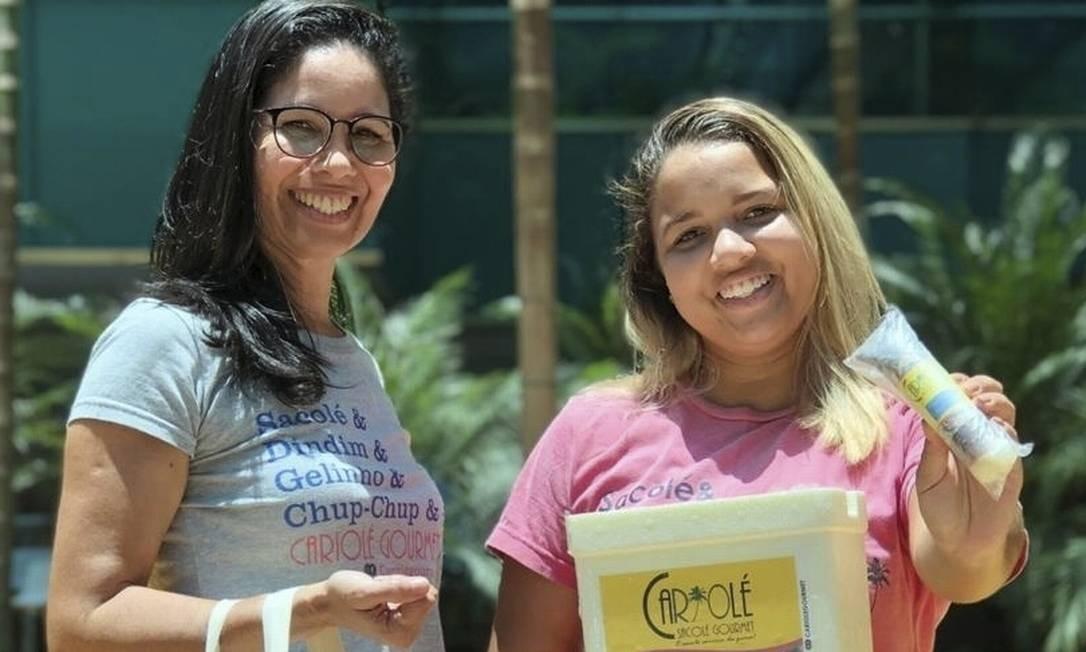 Beatriz (à direita) ao lado da mãe, Patrícia Cândida Foto: Divulgação/Diego Moura