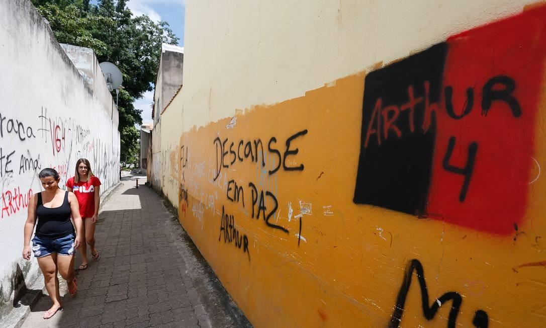 Homenagens para o Arthur no bairro que ele morava em Volta Redonda Foto: Pablo Jacob / Agência O Globo