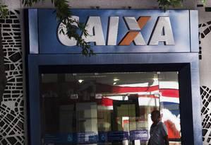 Caixa é alvo de investigação sobre cobranças indevidas no cartão de crédito Foto: Antônio Scorza/18-02-2016