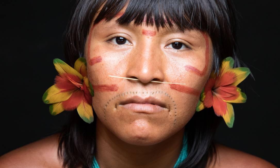 Mulher indígena entrevistada para o filme 'Woman', de Yann Arthus-Bertrand e Anastasia Mikova Foto: Yann Arthus-Bertrand / Divulgação