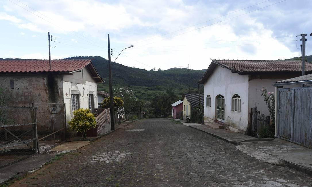 Famílias deixaram casas em Barão de Cocais por risco de rompimento de barragem Foto: Douglas Magno / O Tempo / Agência O Globo / Agência O Globo