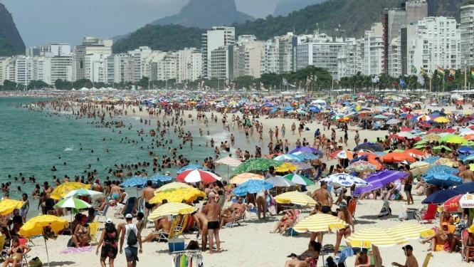 Horário de verão: relógio deverão ser atrasados em uma hora Foto: Marcio Alves / Agência O Globo