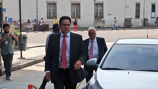 Comitia do Flamengo, com vice-jurídico Rodrigo Dunshee, um dos presentes Foto: Reprodução