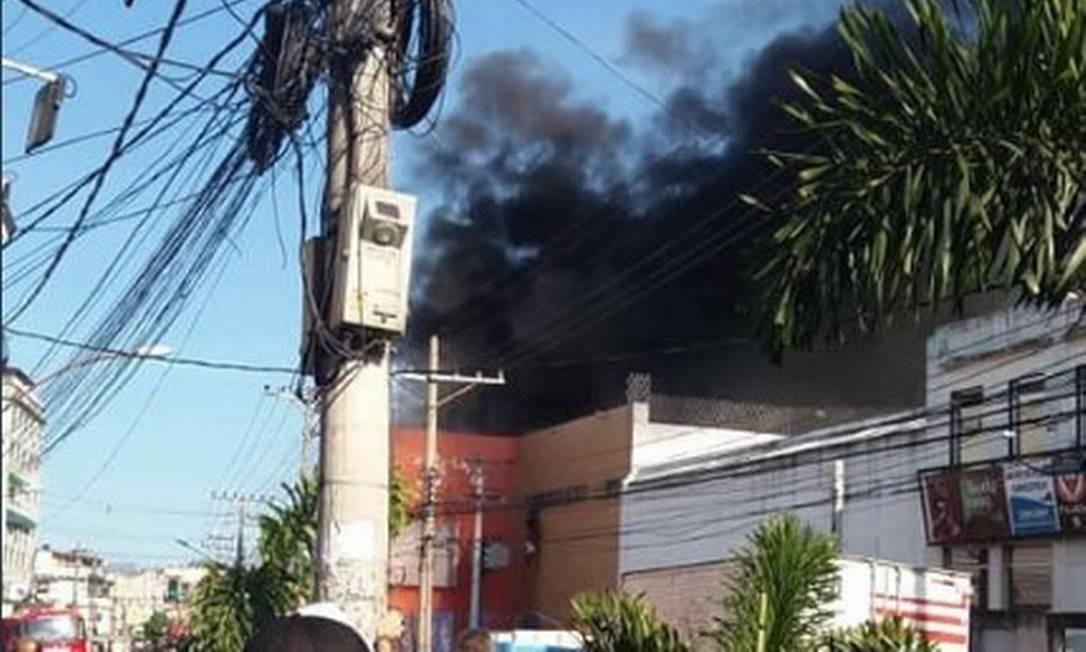 Supermercado no Jacaré é tomado por incêndio; duas pessoas tiveram ferimentos leves