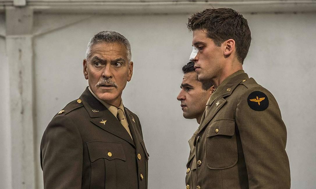 Adpatação de George Clooney para 'Ardil 22' reflete sobre