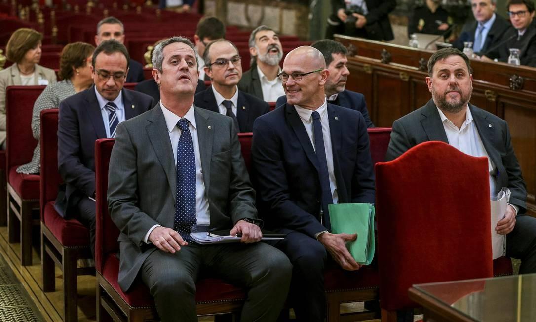 Líderes catalães na Suprema Corte em Madri, no primeiro dia do julgamento Foto: REUTERS