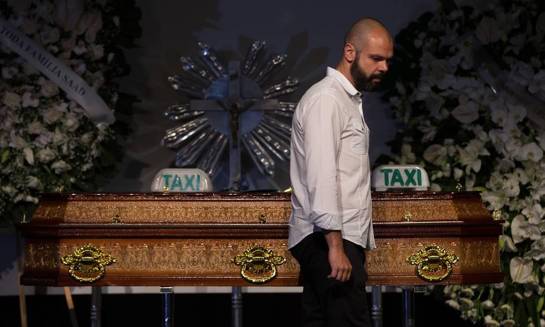O prefeito da cidade de São Paulo, Bruno Covas, também prestou sua homenagem ao jornalista | Foto: Edilson Dantas / Agência O Globo