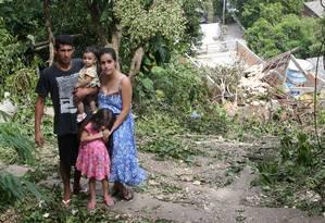 Jose Luiz com a mulher Roberta e as filhas Laura e Eloah Foto: Guilherme Pinto / Agência O Globo