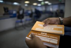 Segurado na agência da Previdência Social do Méier, zona Norte do Rio Foto: Márcia Foletto / Agência O Globo