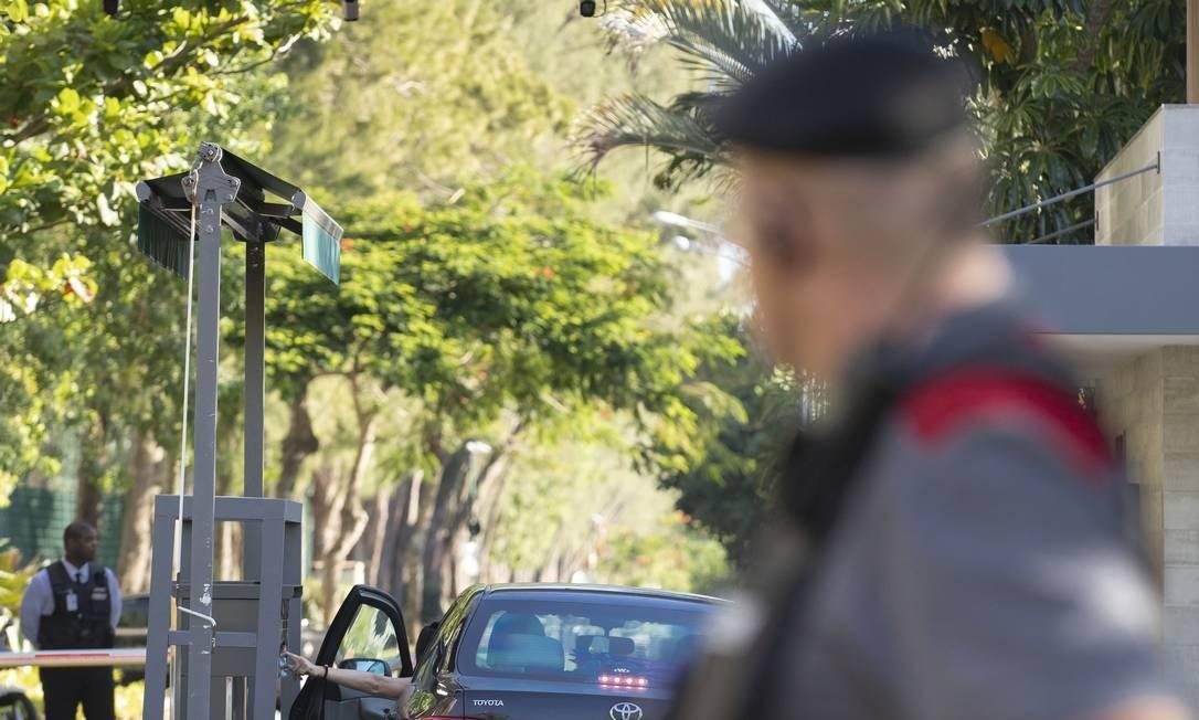 Segurança de condomínios ganha reforço com integração dos residenciais com criação de central Foto: Ana Branco / Agência O Globo