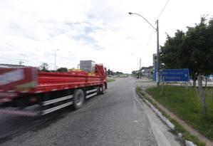 Trecho da BR 101: governo estuda aumentar pedágio Foto: Márcio Alves / Agência O Globo