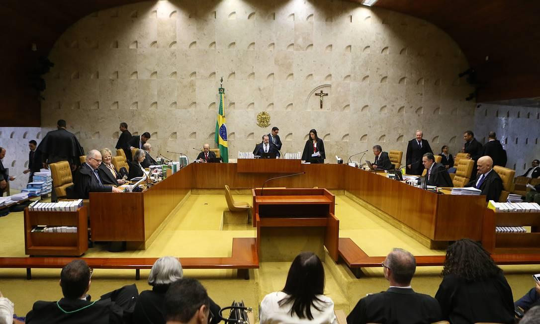 Sessão no plenário do STF, durante julgamento de ações que pedem criminalização da homofobia Foto: Jorge William/Agência O Globo