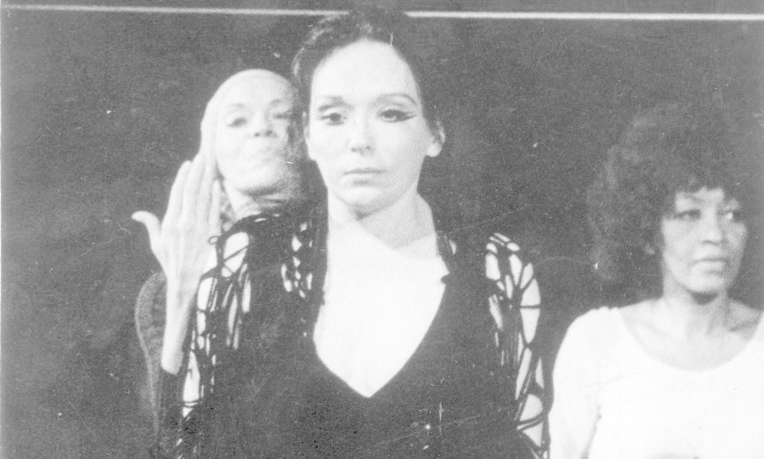 """Em 1976, na peça """"Gota d'água' Foto: Reprodução"""