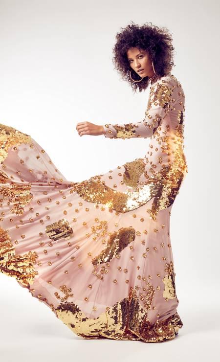 Vestido (preço sob consulta) Fabulous Agilitá, brincos (R$ 40) Forever 21, colar médio (R$ 1.300) Tory Burch e colar grosso (R$ 59) Sri Clothing Foto: Foto: Renan Oliveira