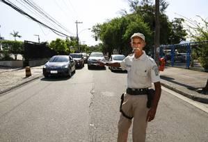 Fortes é conhecido nos centros de saúde em que atua pela sua solidariedade Foto: Marcos Ramos / Agência O Globo