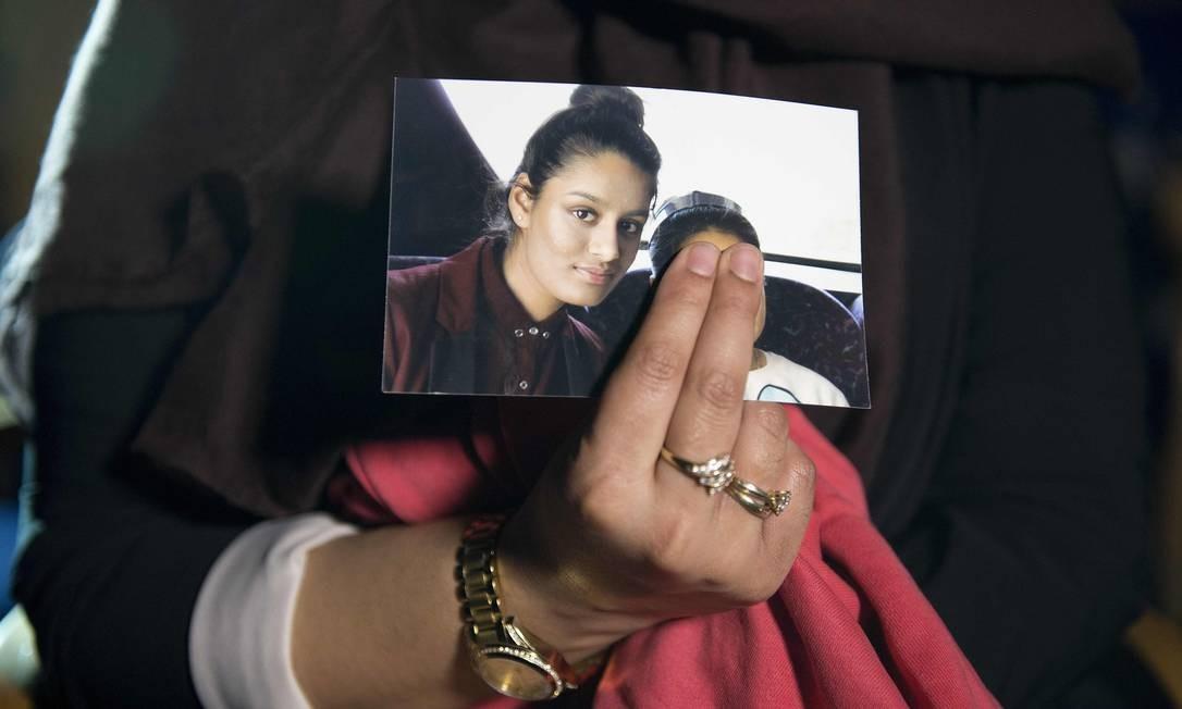Adolescente britânica que fugiu para se juntar ao grupo do Estado Islâmico na Síria está vivendo em um campo de refugiados e quer voltar para casa Foto: LAURA LEAN / AFP