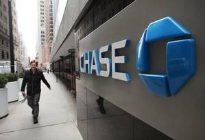 O JPMorgan Chase vai iniciar testes da blockchain com um pequeno número de clientes corporativos Foto: SPENCER PLATT / AFP
