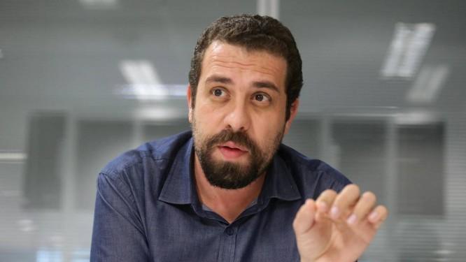 Guilherme Boulos, então candidato à Presidência pelo PSOL, em julho de 2018 Foto: Márcio Alves / Agência O Globo
