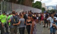 Torcedores do Vasco formam fila no Maracanã Foto: Vitor Seta