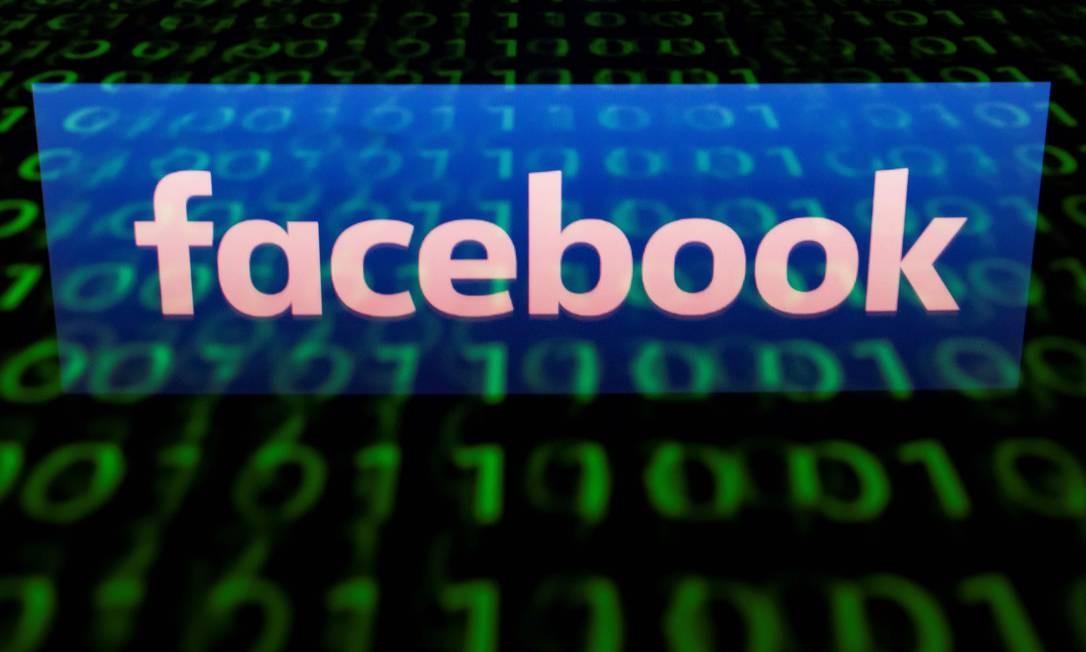 O inferno astral da maior rede social do mundo continuou em setembro, com a revelação de que os perfis de 30 milhões de usuários foram hackeados. A falha permitia que os atacantes assumissem o controle das contas, se desejassem. Foto: LIONEL BONAVENTURE / AFP