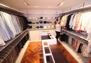 A personanal organizer Carol Rosa é especializada em closets Foto: Reprodução / Divulgação