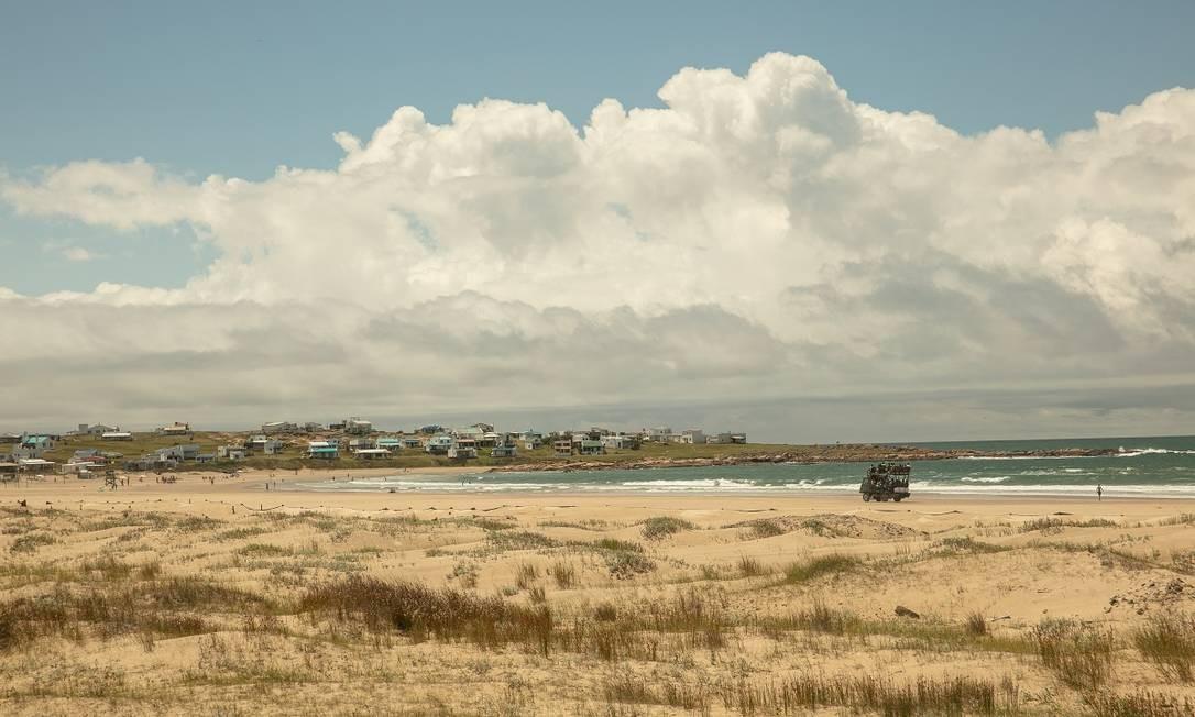 Vista da remota Cabo Polonio, onde não há Wi-Fi e rede elétrica é bem restrita Foto: Tali Kimelman / The New York Times