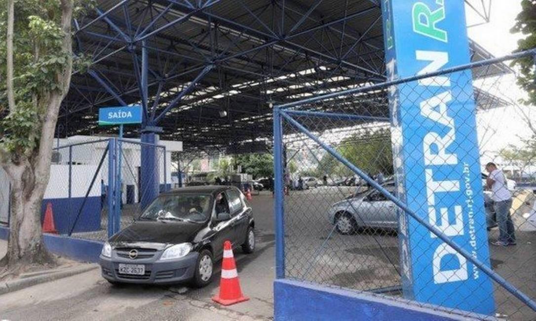 O Detran-RJ emite o nada consta esta semana sem apresentação da GRT paga Foto: Guilherme Pinto / Agência O Globo