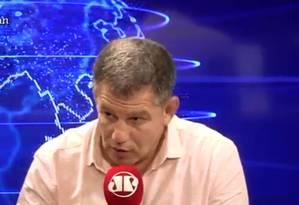 Ex-ministro Gustavo Bebianno diz que Carlos Bolsonaro fez macumba psicológica na cabeça do pai Foto: Reprodução