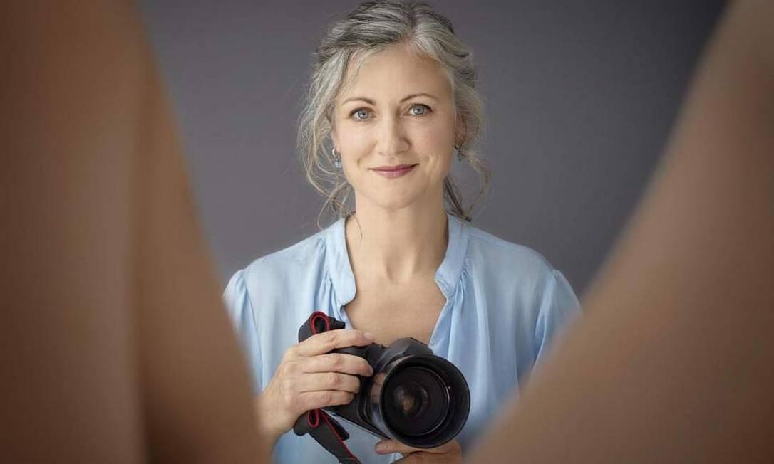 A fotógrafa britânica Laura Dodsworth está sendo celebrada por um novo documentário que questiona a forma como conhecemos a genitália feminina Foto: Divulgação