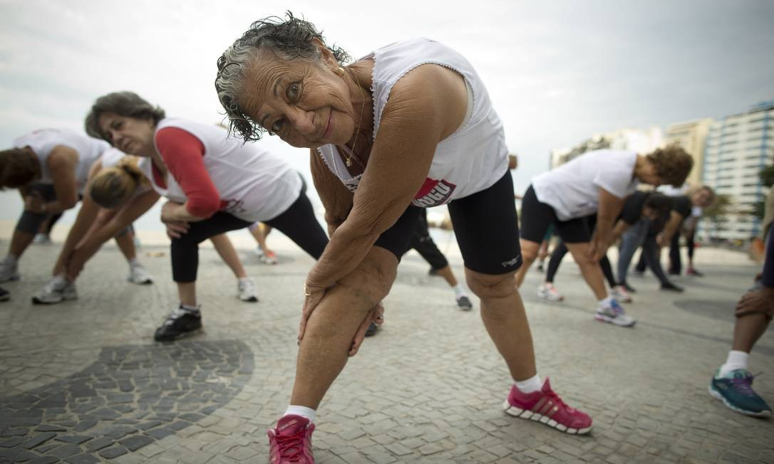 IDADE MÍNIMA - Se aprovada a reforma, brasileiros que ainda não entraram no mercado de trabalho poderão se aposentar aos 65 anos de idade, se for homem, e 62 anos, se for mulher, depois de contribuírem por pelo menos 30 anos para a Previdência, no caso das mulhres, ou 35 anos, homens Foto: Márcia Foletto / Agência O Globo