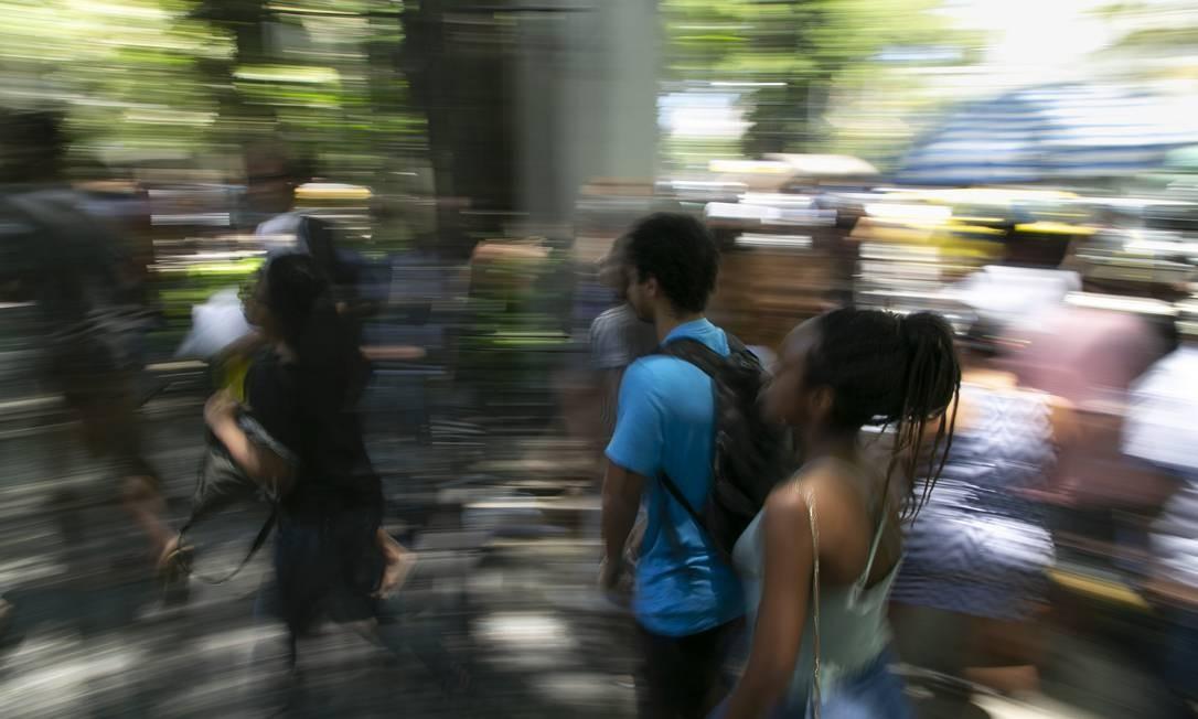 Estudantes chegam local de prova do Enem no Rio Foto: Leo Martins / Agência O Globo