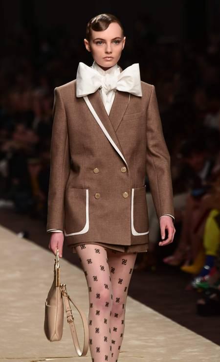 A última coleção de Karl Lagerfeld para a Fendi Foto: MIGUEL MEDINA / AFP