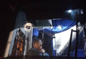 Assembleia Nacional venezuelana denuncia ataque a ônibus de caravana da oposição Foto: Reprodução/Twitter
