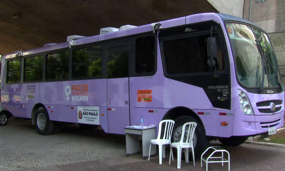 Mulheres que se sentirem agredidas durante o carnaval em São Paulo poderão buscar apoio nos ônibus lilás da Prefeitura Foto: Reprodução/TV Globo