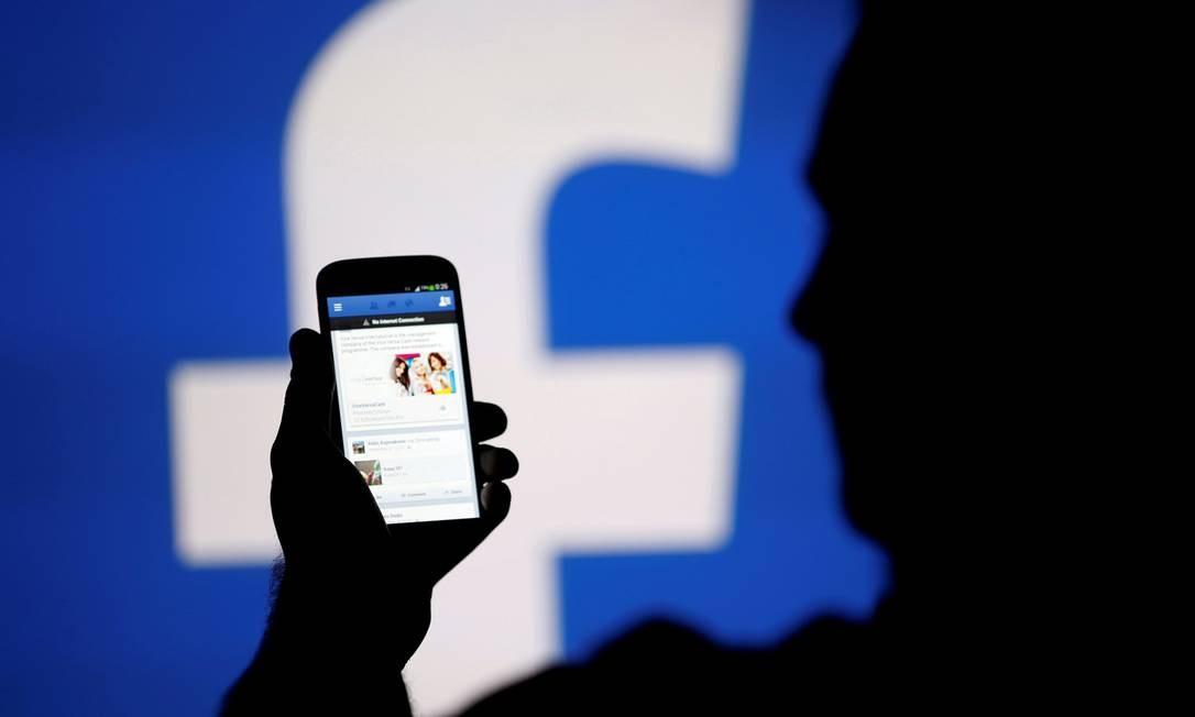 Grupos de defesa dos direitos da infância afirmam que Facebook incentivava crianças a gastarem dinheiro dos pais Foto: Agência O Globo