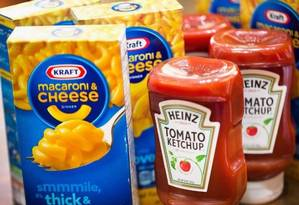 A Kraft é dono de marcas como o ketchup Heinz e o creamcheese Philadelphia Foto: AFP