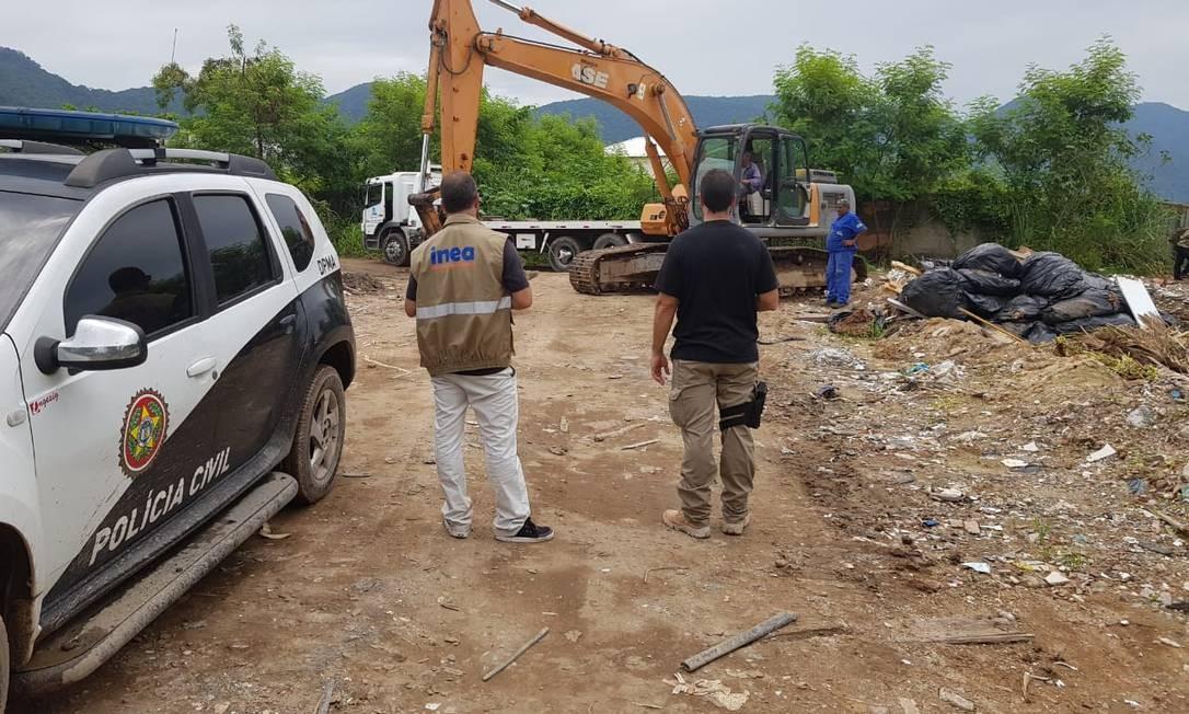 Ação conjunta do Inea e da Polícia Civil reprime construções irregulares em Vargem Grande Foto: Divulgação