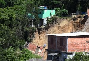 Tragédia: parte da encosta que deslizou em novembro, no Morro da Boa Esperança, em Piratininga: 15 pessoas morreram e 23 famílias ficaram desalojadas Foto: Fabiano Rocha / Agência O Globo