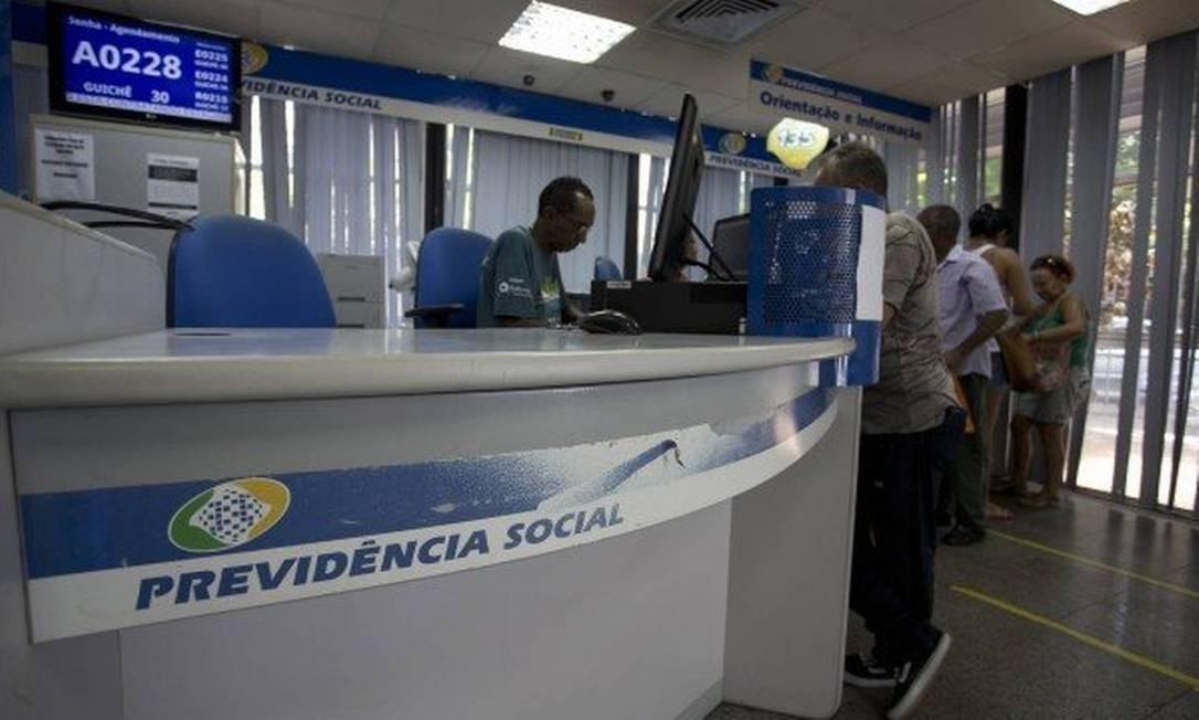 Agência do INSS no Rio: rombo difícil de cobrir. Foto: Márcia Foletto / Agência O Globo