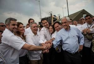 Guaidó, ao centro, com Mario Abdo Benítez, Iván Duque e Sebastián Piñera no show em Cútuta, Colômbia Foto: HANDOUT / REUTERS