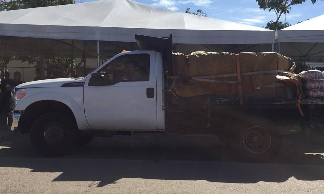 Primeiro caminhão com ajuda enviada de Boa Vista chegou a Pacaraima por volta das 10h30 deste sábado Foto: Paola Carvalho